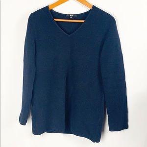 UNIQLO V-Neck Pullover Sweater Blue Size Medium